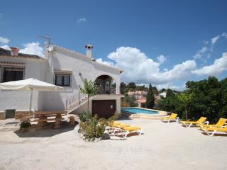 Laura-28A - traditionally furnished detached villa with peaceful surroundings in Calpe - Calpe vacation rentals