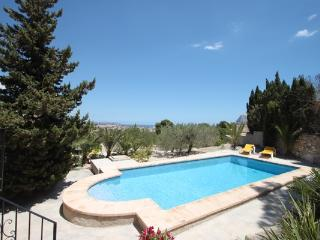 Laura-29A - pretty holiday property with garden and private pool in Calpe - Calpe vacation rentals