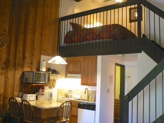 """Whistling Woods""   Yosemite West Loft Condo - Yosemite National Park vacation rentals"