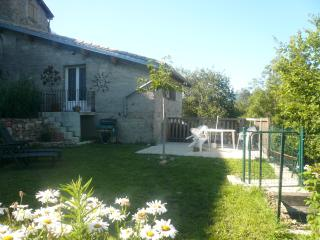 Nice Gite with Internet Access and Television - Fabras vacation rentals
