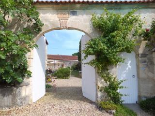L'Abeille Gite, Charente - 2 bedroom cottage - Hiersac vacation rentals