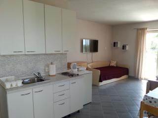 Comfortable apartment with bbq terrace in Krk - Krk vacation rentals