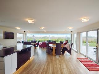 Nice 6 bedroom House in Westport - Westport vacation rentals