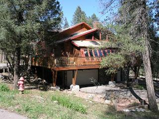 Antler Mountain Lodge is full of mountain taste that will satisfy everyone. - Ruidoso vacation rentals