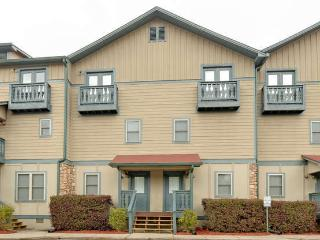 Luxury Condo with Hot tub and fireplace. - Helen vacation rentals