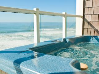 *Promo!* - Top Floor Oceanfront Condo - Private Hot Tub, Indoor Pool, WiFi, HDTV - Lincoln City vacation rentals