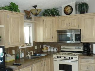 Wonderful Caravan/mobile home with Internet Access and A/C - Lake Havasu City vacation rentals
