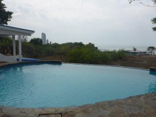Cozy 2 bedroom Villa in Gorgona - Gorgona vacation rentals