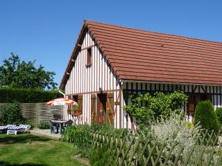 LE BATISON: family-friendly gîte for sightseeing or just relaxing in the garden - Brionne vacation rentals