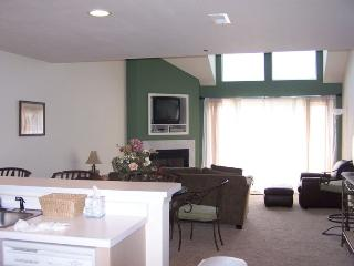 The Ledges, 3 BR + Loft / 3BA Condo Sleeps 12 - Osage Beach vacation rentals