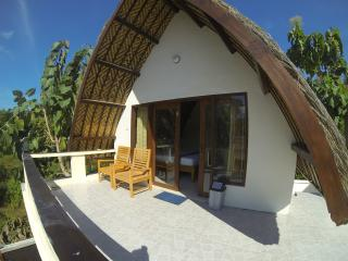 Superior Double Bed (Upstair). Pool & free wi-fi. - Gili Trawangan vacation rentals