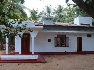 Nice 3 bedroom Trincomalee Guest house with Internet Access - Trincomalee vacation rentals