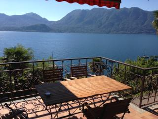 4 bedroom House with Internet Access in Ghiffa - Ghiffa vacation rentals