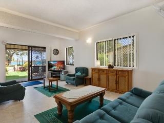 Keith's Place. Waterfront, Beautiful Bribie Island - Bribie Island vacation rentals