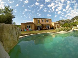 Villa à louer au pied du Luberon - Cheval-Blanc vacation rentals