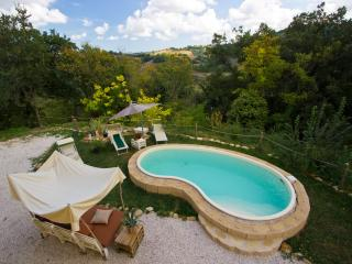 Nice 4 bedroom Apartment in Monteciccardo with Internet Access - Monteciccardo vacation rentals