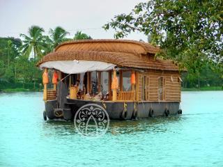 Ayana's - Luxury honeymoon houseboat in Kerala. - Alappuzha vacation rentals
