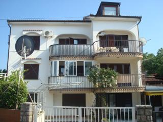Romantic 1 bedroom Apartment in Malinska - Malinska vacation rentals