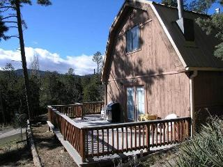 Mama Bear's Den is a cozy two bedroom located less than a mile from downtown. - Ruidoso vacation rentals