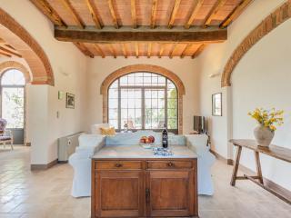 Villa Ferranino Towhouses-Cimabue - San Giovanni d'Asso vacation rentals