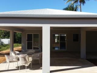 Family Home on the Great Barrier Reef - Kewarra Beach vacation rentals