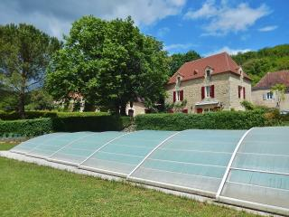 6 bedroom House with Internet Access in Bezenac - Bezenac vacation rentals