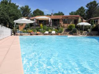 air conditioning, heated pool, wooded garden, game - Greasque vacation rentals