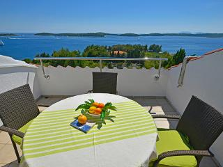 Charming 2 bedroom Condo in Hvar - Hvar vacation rentals