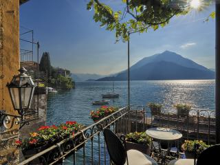 Casa Pergola center of Varenna on lake shore - Varenna vacation rentals