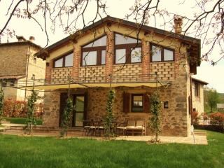 Cozy 3 bedroom Rioveggio Barn with Deck - Rioveggio vacation rentals