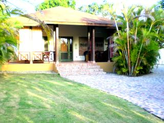 Vacation house with a lot of amenities - Sosua vacation rentals