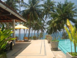 Bright 4 bedroom Villa in Tangalle - Tangalle vacation rentals