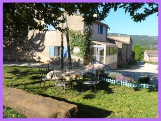 Beautiful 2 bedroom Caseneuve Gite with Internet Access - Caseneuve vacation rentals