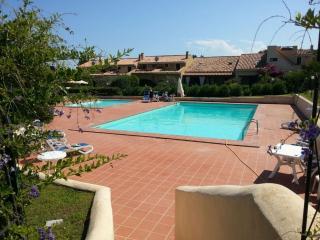 Residence con piscina a Porto Ottiolu - San Teodoro vacation rentals