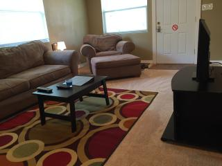 Cozy 2Br house 10 minutes from Clearwater Beach - Clearwater vacation rentals