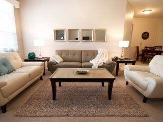 Vista Cay Getaway. Luxury 3 bedroom Condo nr Parks - Orlando vacation rentals