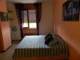 Cozy 1 bedroom Apartment in Novara with Stove - Novara vacation rentals