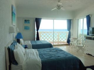 BEACH FRONT Cancun corner unit - Cancun vacation rentals
