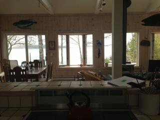 Cozy Cottage with Deck and Internet Access - South Bristol vacation rentals