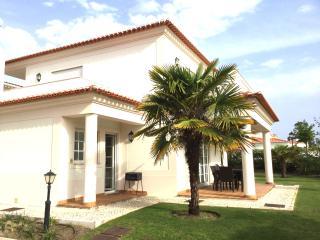 5* Beautiful Luxury Apartment on Ground Floor - Caldas da Rainha vacation rentals