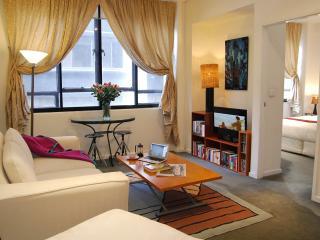 Honey Apartments 2 - Cnr Queen Street & Flinder Ln - Melbourne vacation rentals