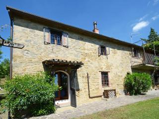 Set in the majestic Tuscan hills, six bedroom farmhouse with outdoor pool, private garden and gorgeous views - Cortona vacation rentals