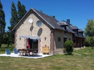 Nice Gite with Internet Access and Satellite Or Cable TV - Victot-Pontfol vacation rentals