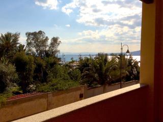 "3-room apartment ""Villa Piro"", 100 m from beach - Golfo Aranci vacation rentals"