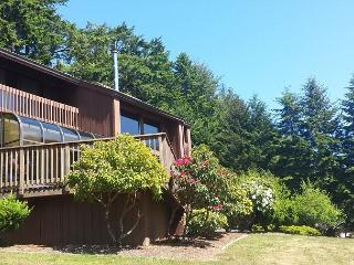 Fairway Lodge  - Elegant 3 bdrm Home on the 18th Hole - McKinleyville vacation rentals