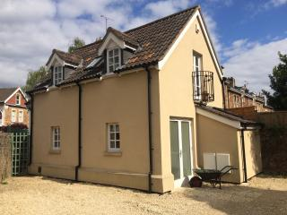 Holiday cottage in Clifton, Bristol, with parking. - Bristol vacation rentals