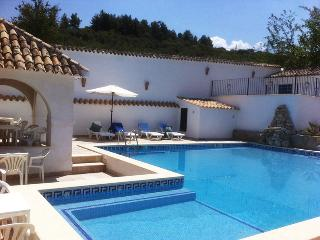 Fuente Mateo Resort - Cottage & Private Apartments - Ventas del Carrizal vacation rentals