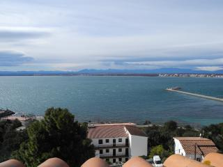House with spectacular sea views in Roses - Roses vacation rentals