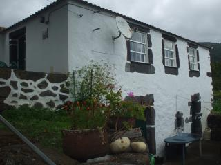 Gorgeous São Jorge vacation Cottage with Satellite Or Cable TV - São Jorge vacation rentals
