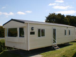 Newquay View Resort - Elite Sunrise 2 Bedroom Holiday Home SR 68 - Newquay vacation rentals